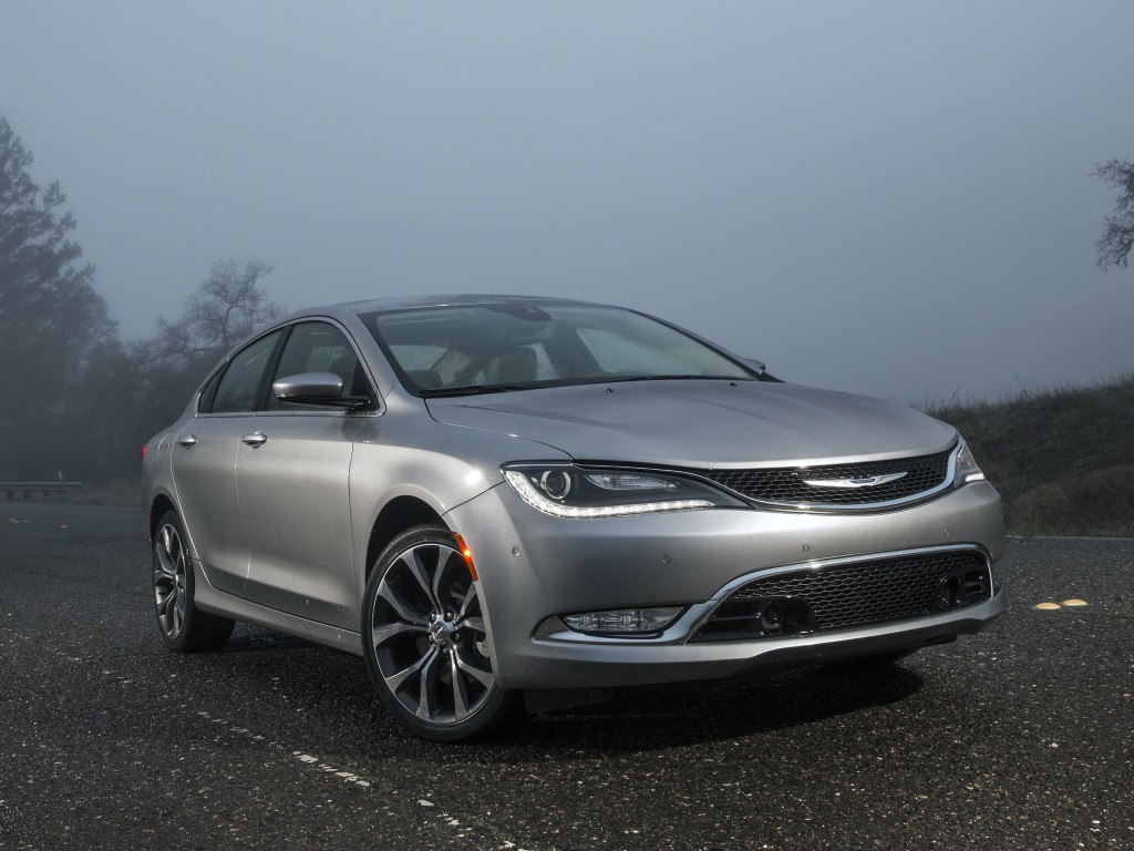 Pleasant 2015 Chrysler 200 Called In Over Faulty Wiring Harnesses Autoevolution Wiring Cloud Rdonaheevemohammedshrineorg