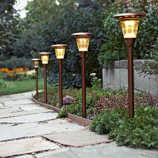 Groovy How To Install Outdoor Landscape Lighting Better Homes Gardens Wiring Cloud Ittabpendurdonanfuldomelitekicepsianuembamohammedshrineorg