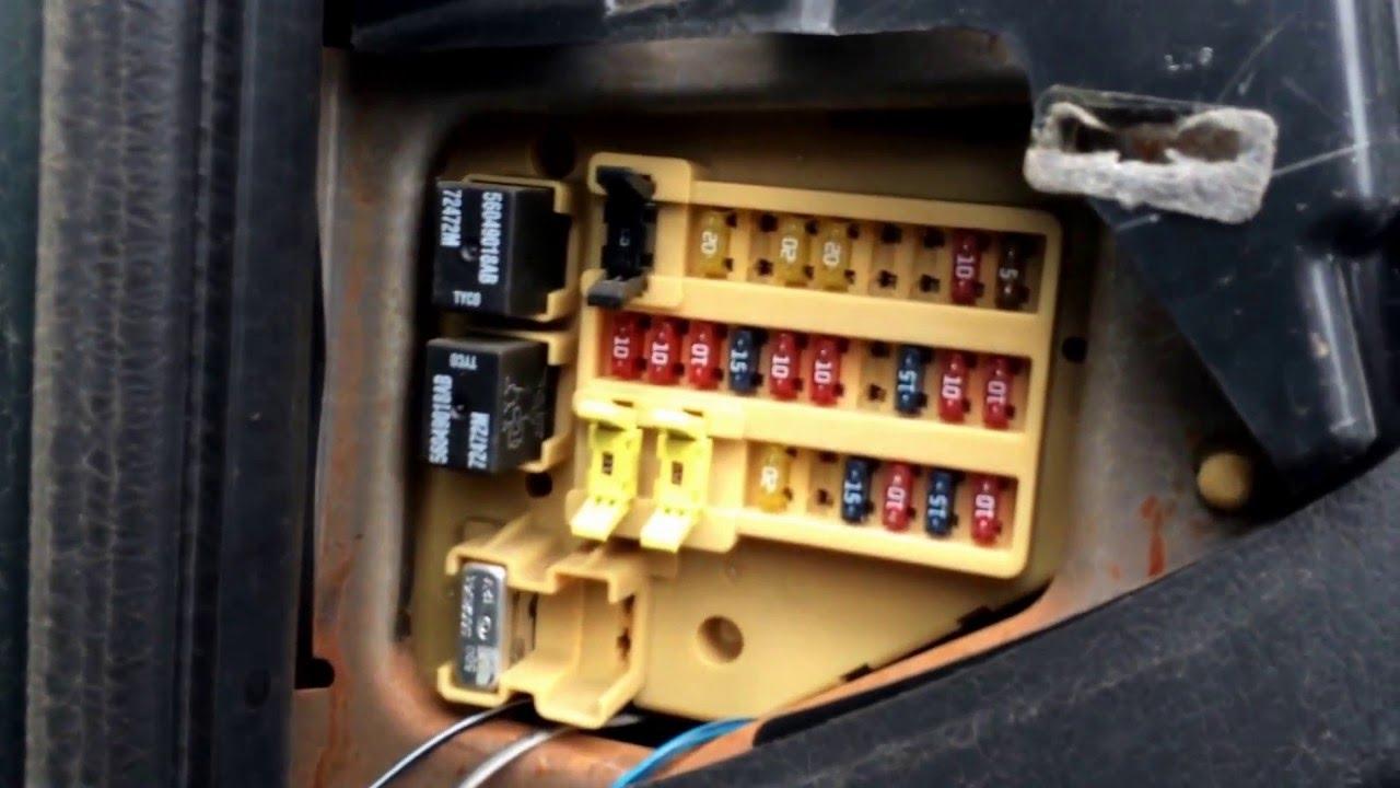 Super 05 Dodge Caravan Fuse Box Location Basic Electronics Wiring Diagram Wiring Cloud Ittabisraaidewilluminateatxorg