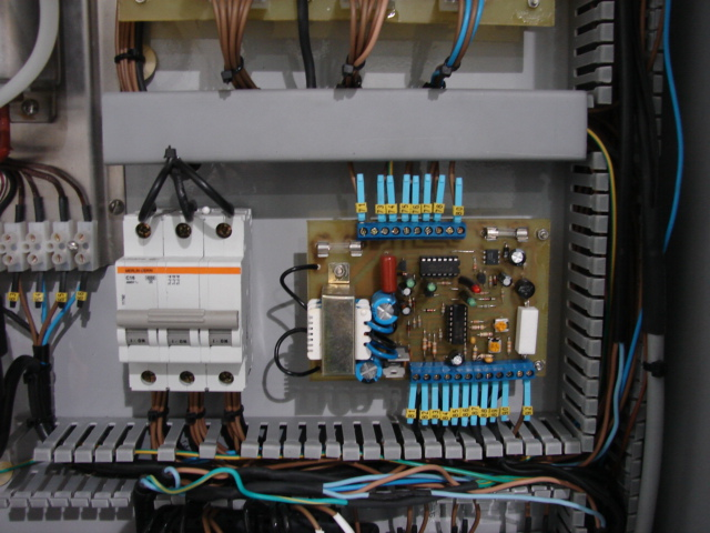 3 phase breaker box diagram ez 4172  three phase circuit breaker wiring diagram  three phase circuit breaker wiring diagram