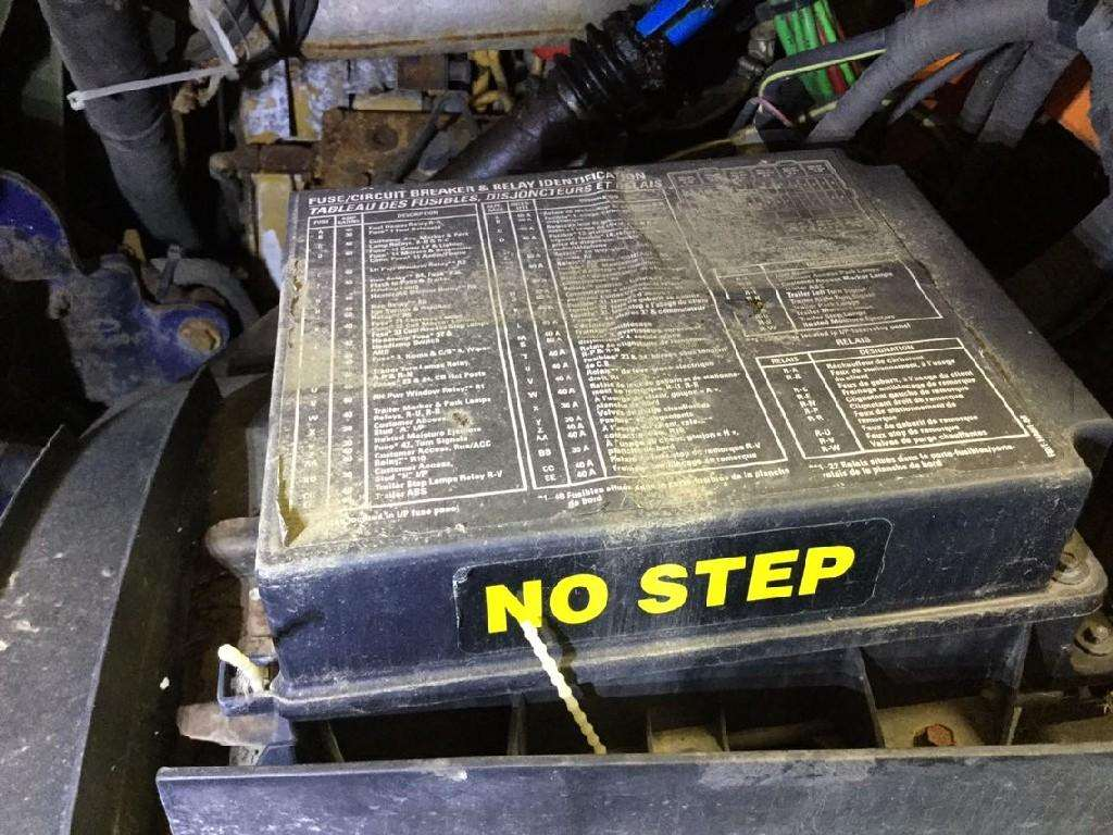 [ZTBE_9966]  LT_6662] 2000 Sterling Semi Truck Fuse Box Schematic Wiring | 2007 Sterling Fuse Box |  | Alma Proe Rele Mohammedshrine Librar Wiring 101