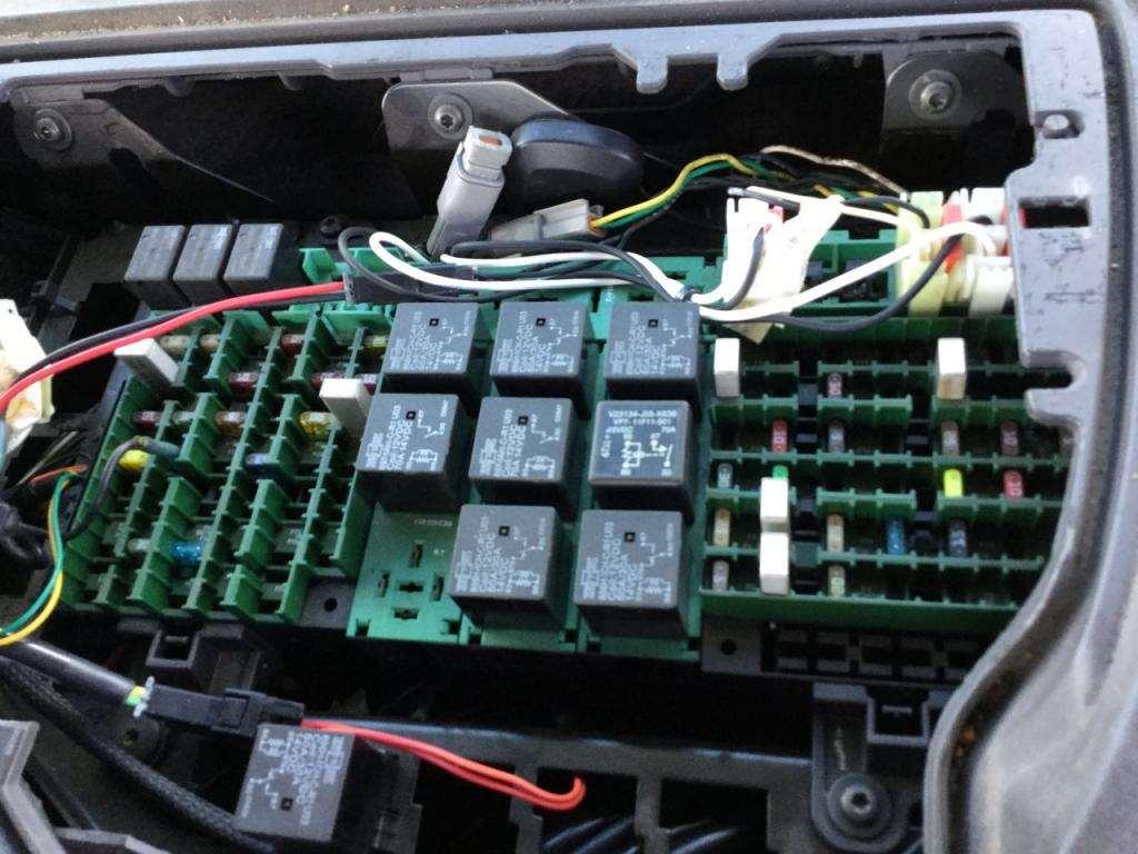 [SCHEMATICS_4JK]  HE_0649] 2014 Volvo Truck Fuse Box Schematic Wiring | 2007 Volvo S40 Fuse Box Location |  | Abole Xeira Mohammedshrine Librar Wiring 101
