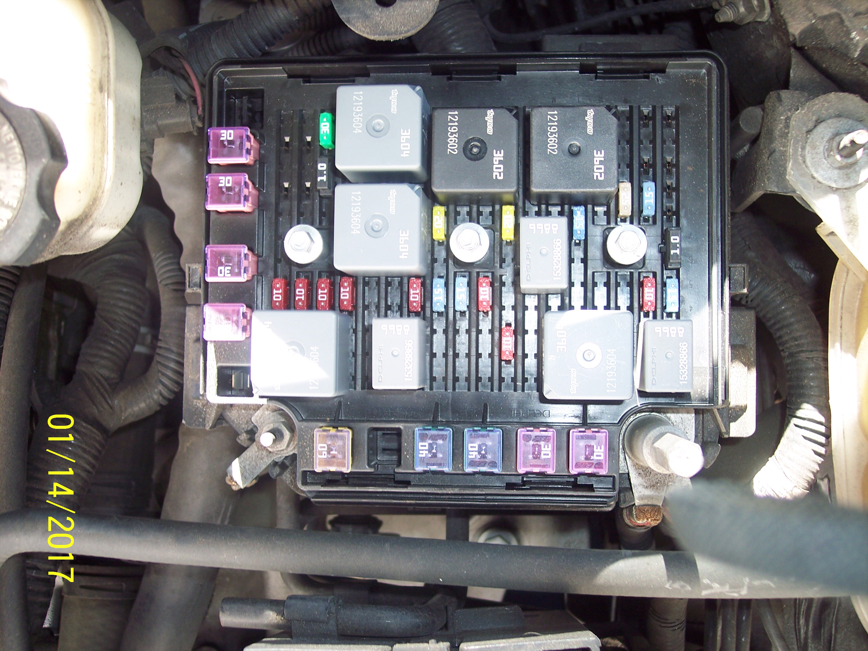 2007 saturn ion wiring diagram gs 0633  fuse box on saturn ion  gs 0633  fuse box on saturn ion