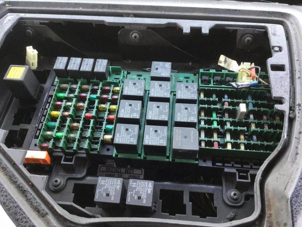 Volvo 670 Fuse Box Location - Wiring Diagram Direct know-captain -  know-captain.siciliabeb.it | Volvo 670 Fuse Box Location |  | know-captain.siciliabeb.it