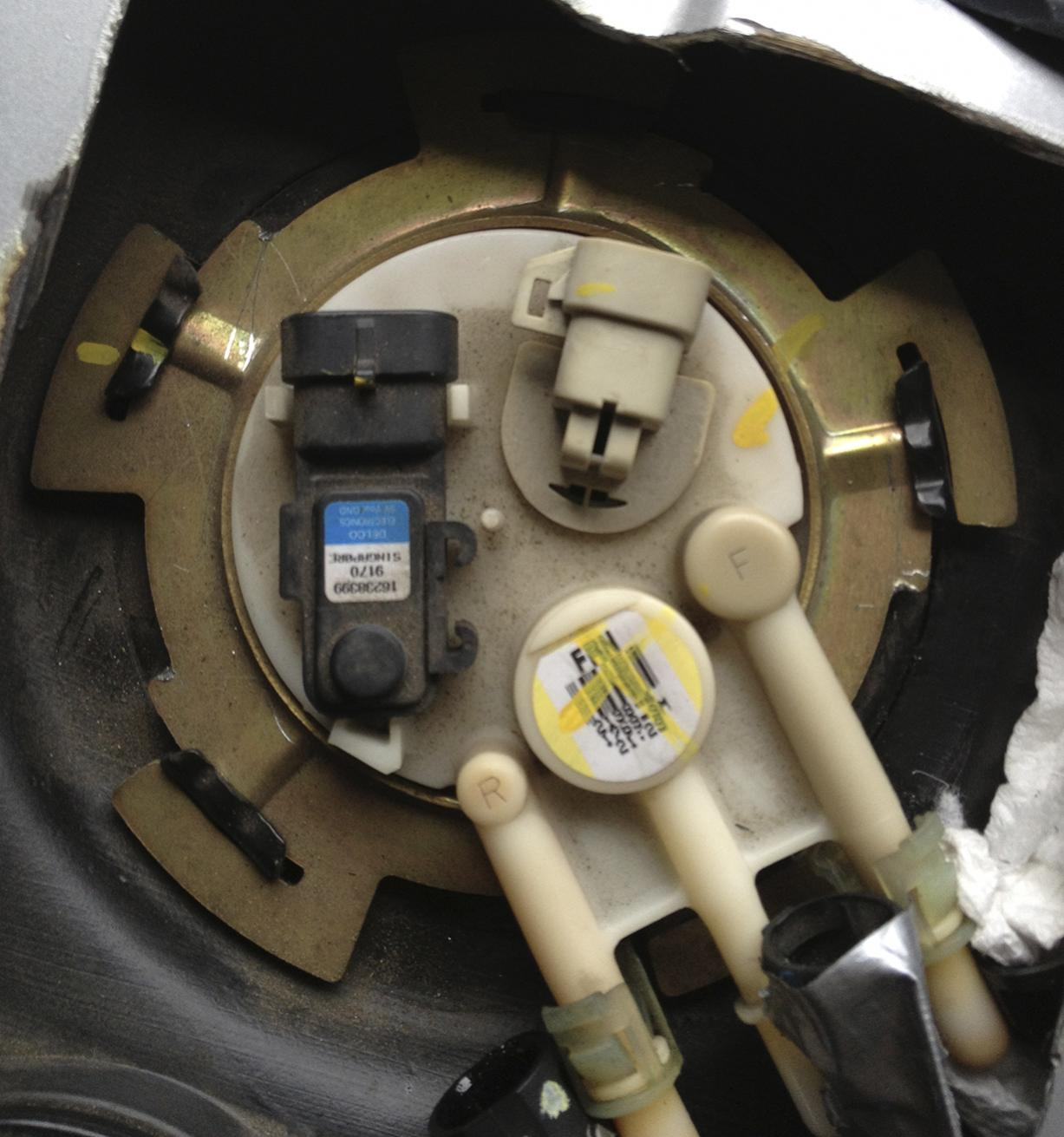 images?q=tbn:ANd9GcQh_l3eQ5xwiPy07kGEXjmjgmBKBRB7H2mRxCGhv1tFWg5c_mWT 2003 Chevy Silverado 2500hd Fuel Pump Wiring Diagram