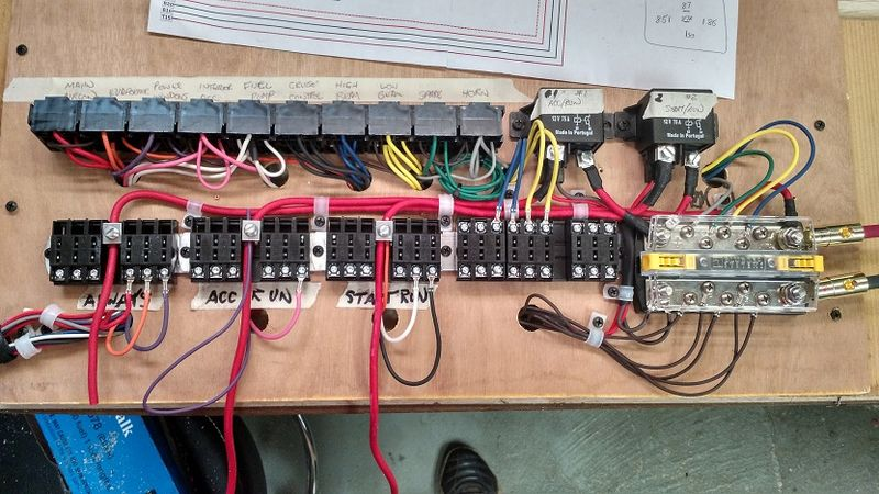 Terrific New Front Fuse Relay Panel Using Busbar Pelican Parts Forums Wiring Cloud Dulfrecoveryedborg