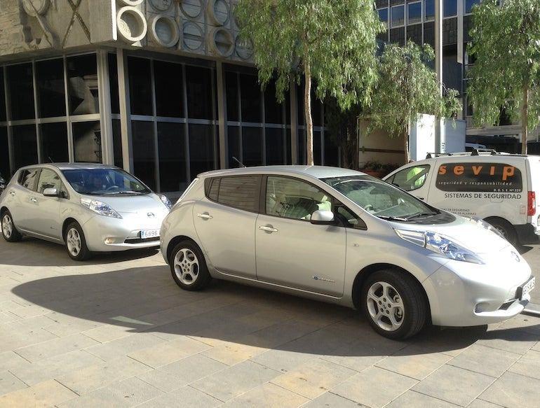 Strange Electric Cars Kick Your Cars Boot 8 Ways How Solarking Nz Wiring Cloud Genionhyedimohammedshrineorg